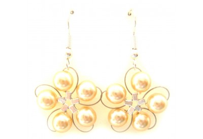 in bloom earrings - cream pearl