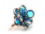 bezel-set crystal blossom ring - teal, silver band
