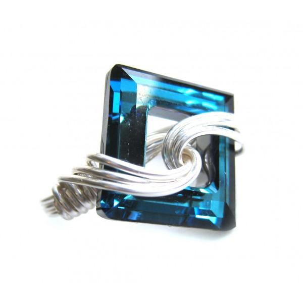 845dda33436eb silver swirl swarovski cosmic square ring- bermuda blue